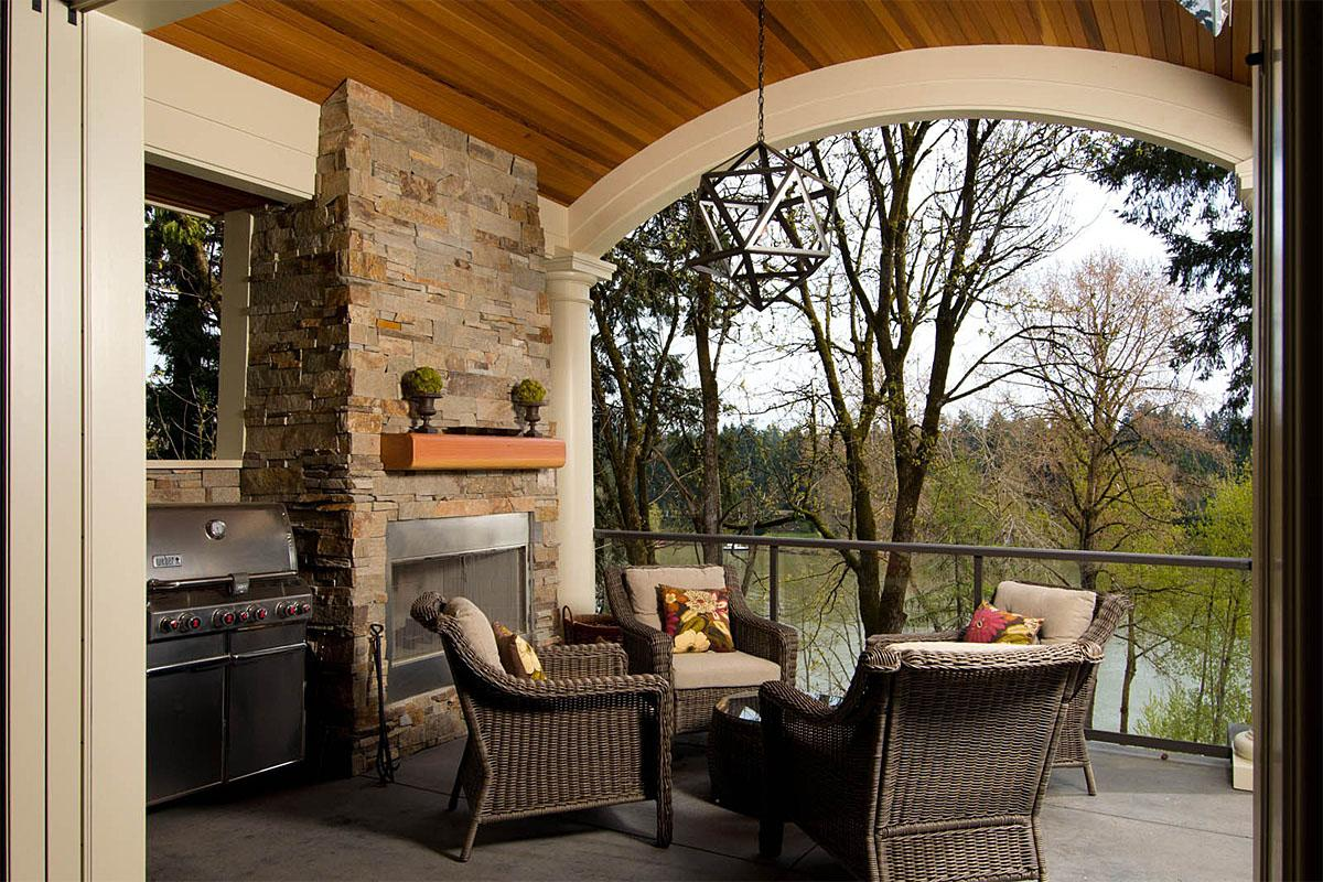 This Lake Oswego Riverview Home, Lake Oswego, OR project was completed by Riverland Homes and cost $2.4 million.   (Image: Lake Oswego Riverview Home / Porch.com)
