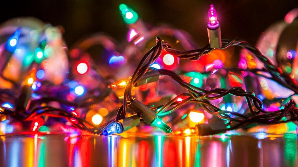 calculating the cost of christmas lights wlos