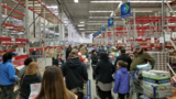 Closing Frenzy: Sam's Club customers wait 1.5 hours, score 50% off deals at Bellevue store