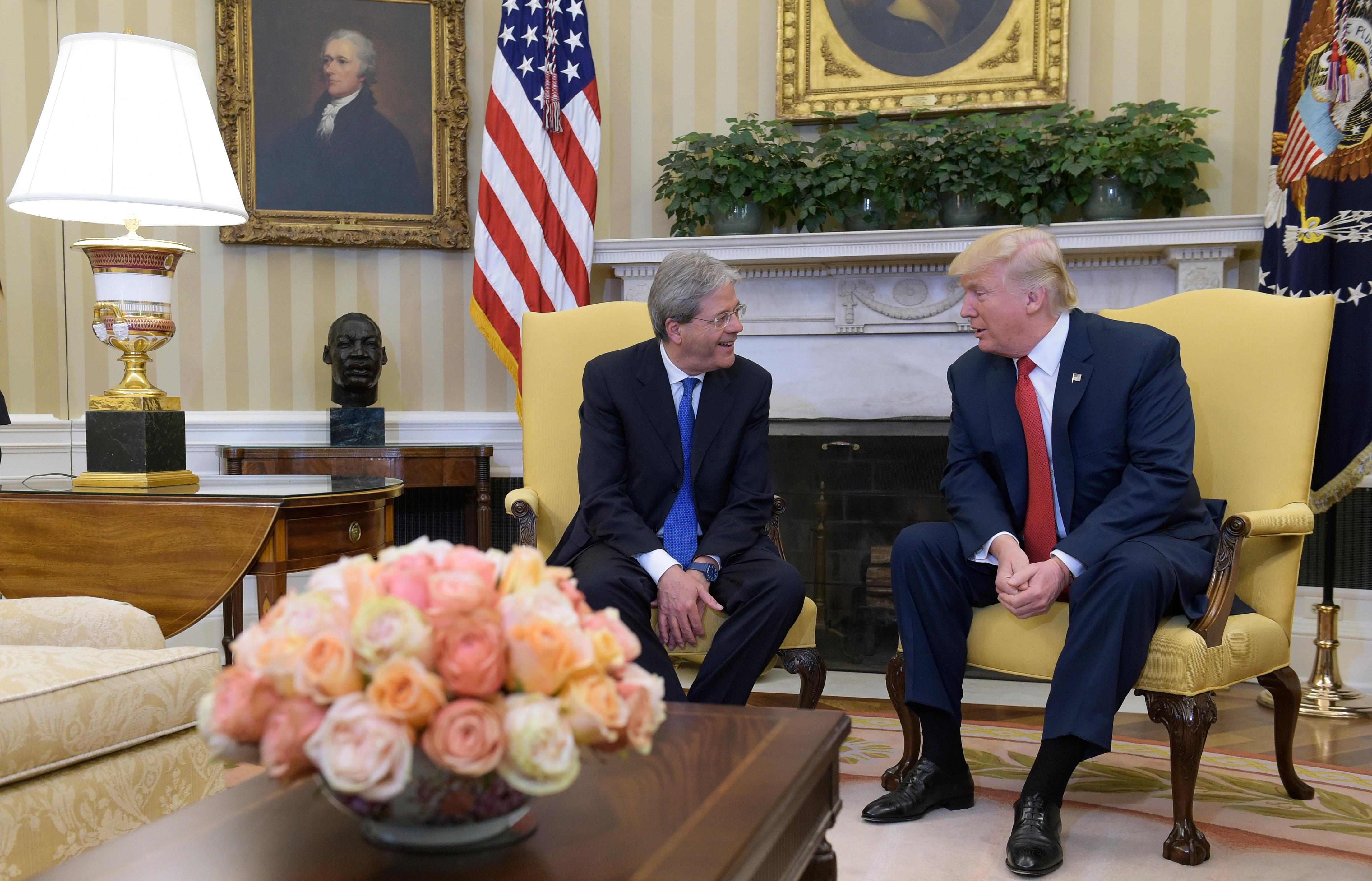 President Donald Trump meets with Italian Prime Minister Paolo Gentiloni in the Oval Office of the White House in Washington, Thursday, April 20, 2017. (AP Photo/Susan Walsh)