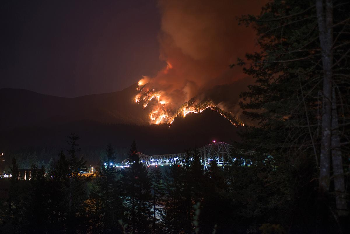 Eagle Creek Fire at Bridge of the Gods and Cascade Locks - Photo by Tristan Fortsch.jpg