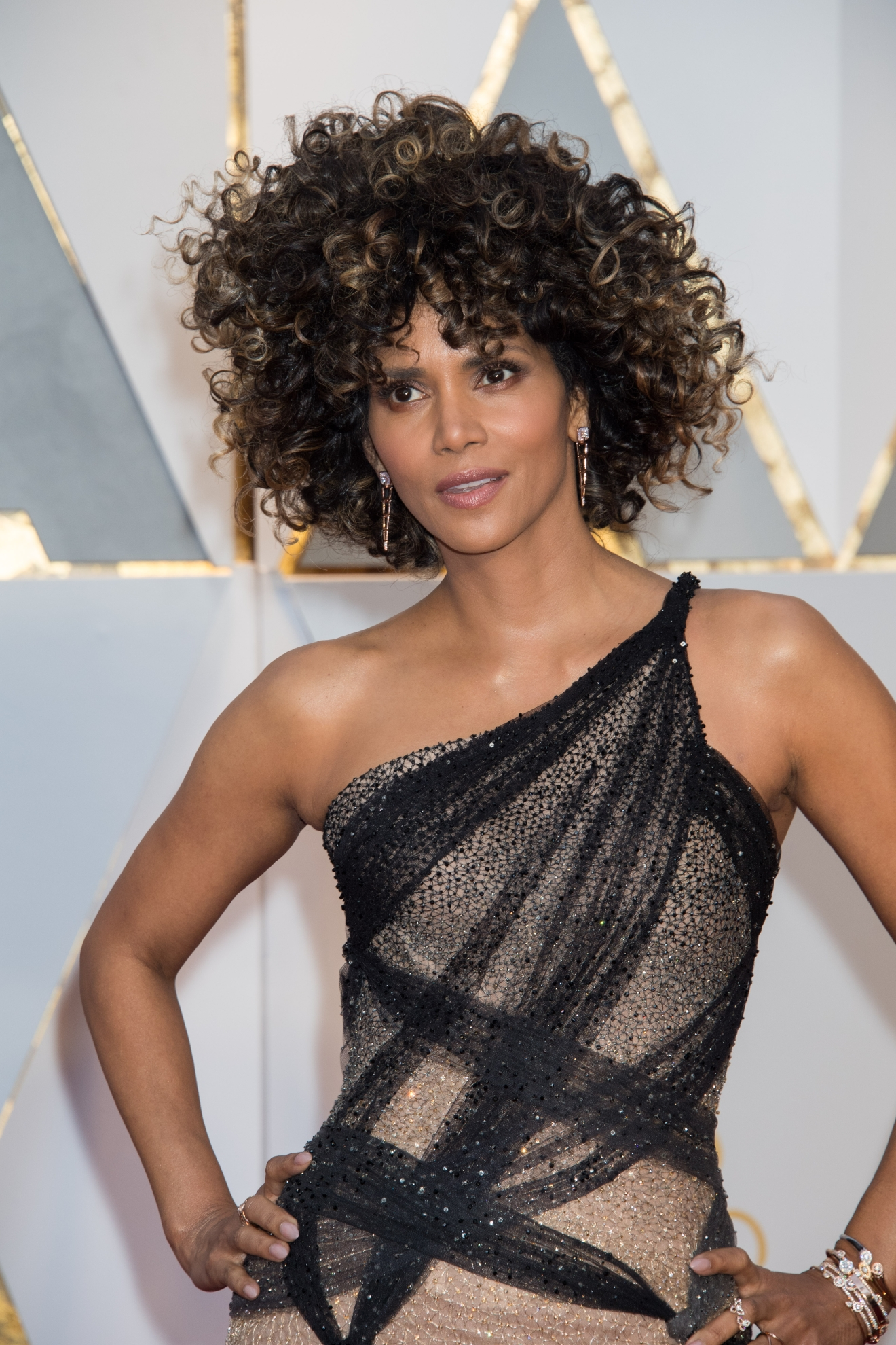 #30: Halle Berry. Hair? #1. Dress? #30. (Image: AMPAS)