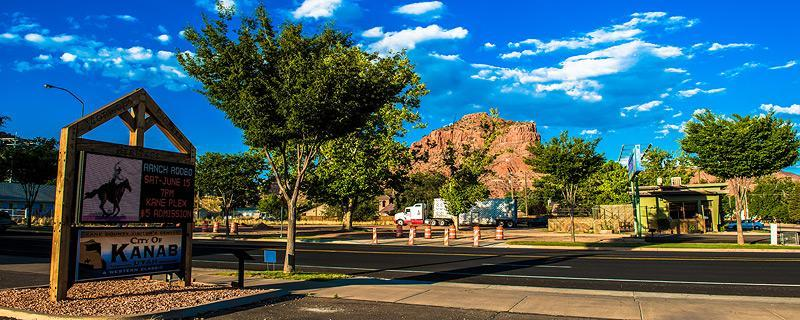 Kanab's Old West heritage has long served as a backdrop for western films and television. With camping, hiking, mountain biking, hunting, photography, and dining all within a reasonable distance, what's not to love? <p></p>