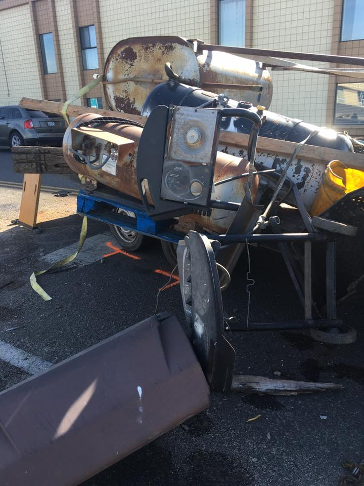 Pregnant woman injured when trailer breaks, smashes into car