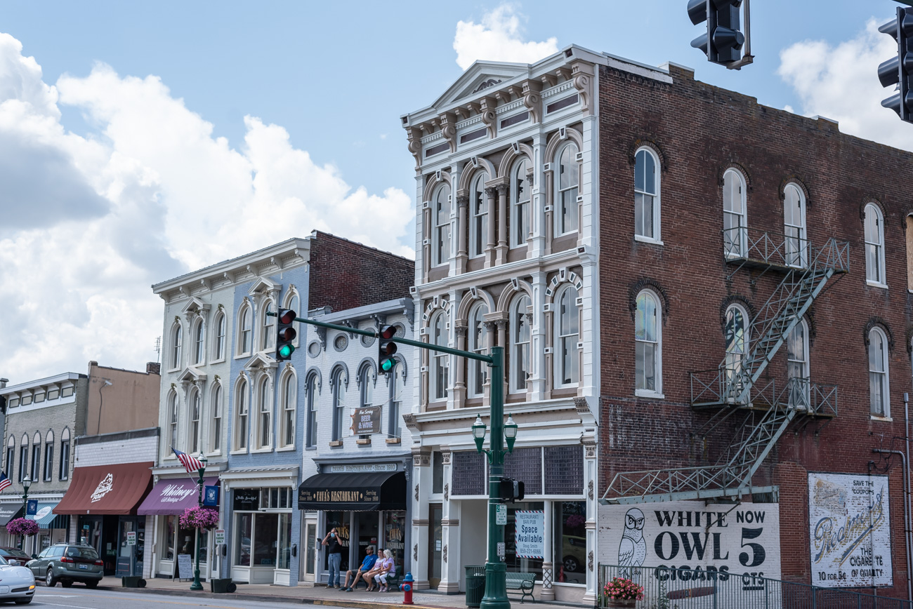 US 25 takes you right through the center of Georgetown, KY and it's charming downtown area. / Image: Mike Menke // Published: 8.25.20