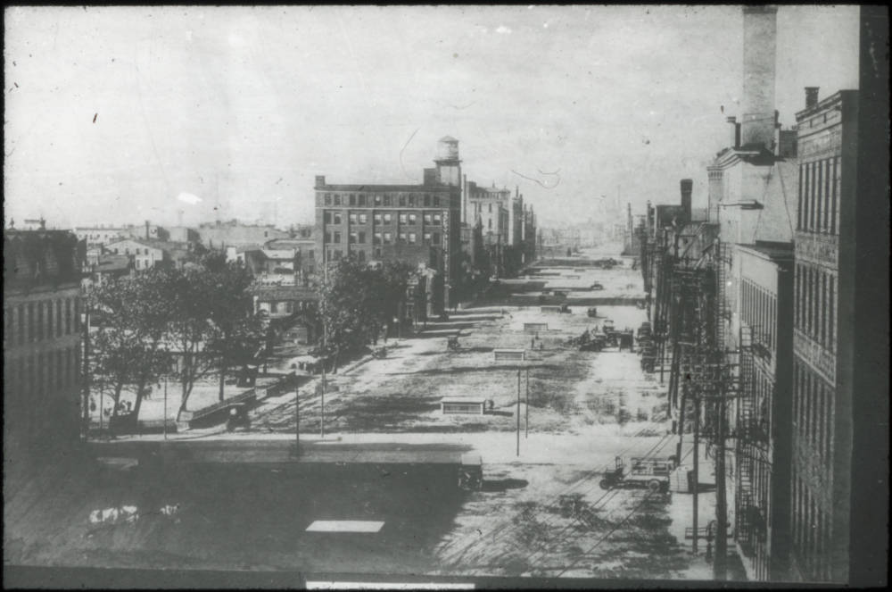 Central Parkway under construction, 1920 / DATE: 1920 / COLLECTION: Public Library of Cincinnati and Hamilton County / Image courtesy of the digital archive of The Public Library of Cincinnati and Hamilton County // Published: 5.3.18