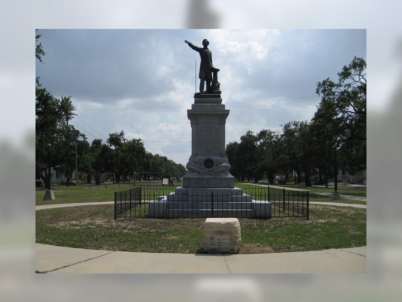 A city news release says workers are preparing to take down a statue of Confederate President Jefferson Davis in New Orleans, the second of four monuments to Confederate era figures the City Council has voted to remove. (MGN /  Infrogmation / Wikipedia)