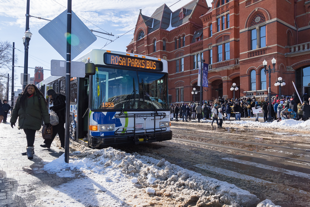 Brand new Metro busses ushered marchers who didn't wish to walk to Music Hall. / Image: Phil Armstrong, Cincinnati Refined // Published: 1.22.19
