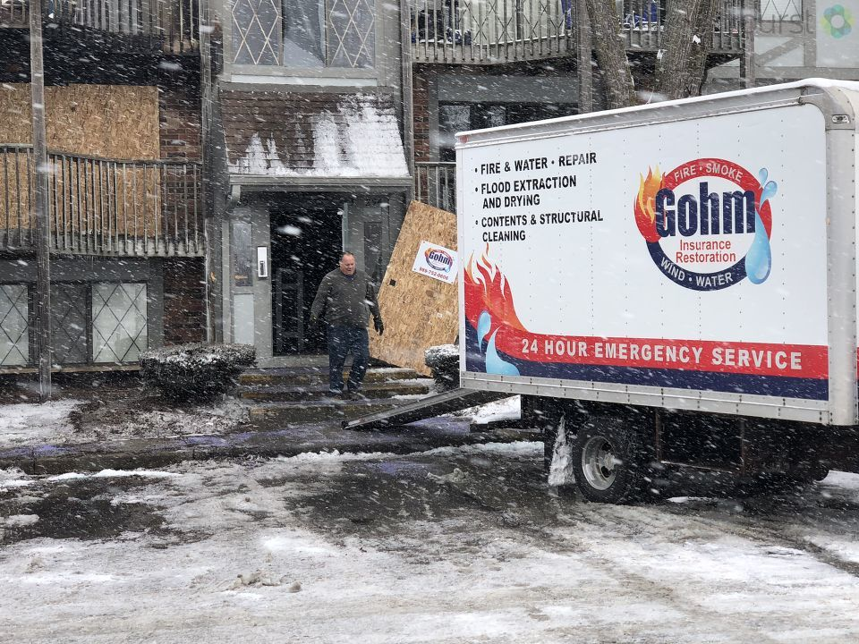 Many people were forced out of their apartment and out into the snow Sunday night due to a fire at Fox Glen Apartment complex in Saginaw Township. (WEYI/WSMH)