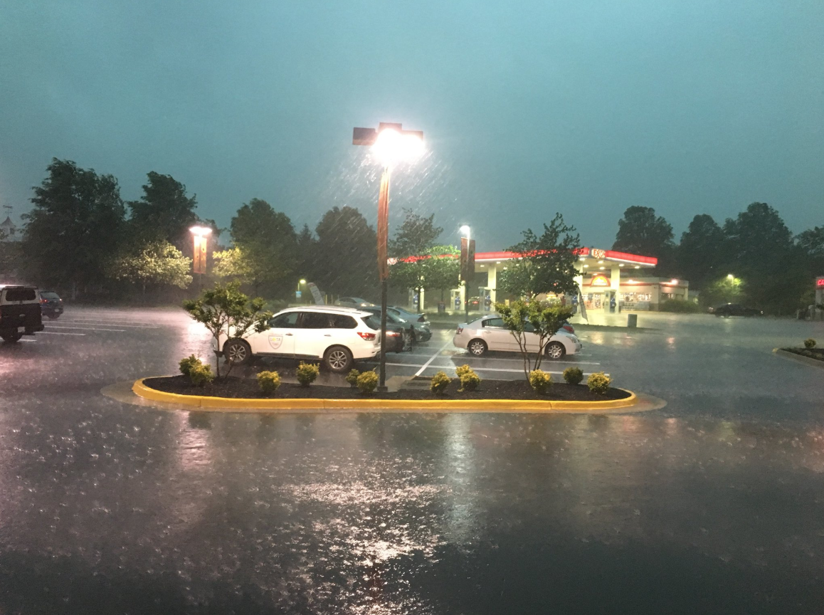 Severe weather moves through DC-area, knocking out power and dumping rain and hail (Jay Korff/ABC7)