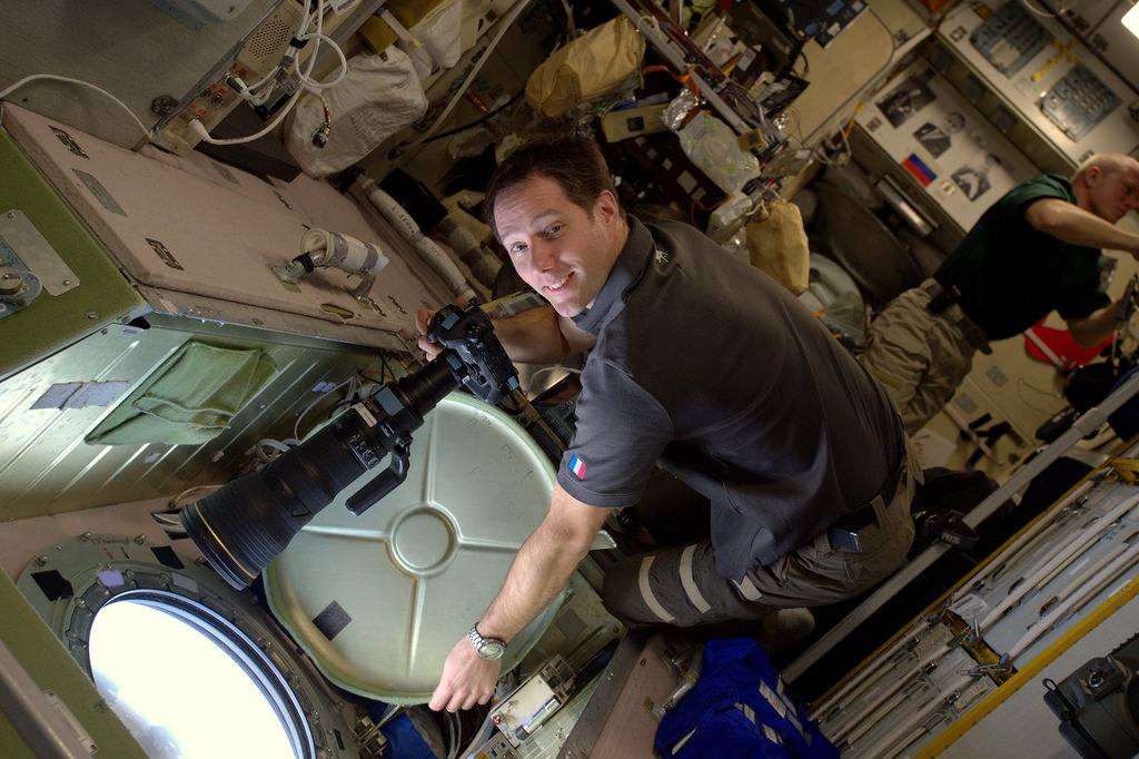 How astronaut Thomas Pesquet gets those amazing photos from space! (NASA Image)