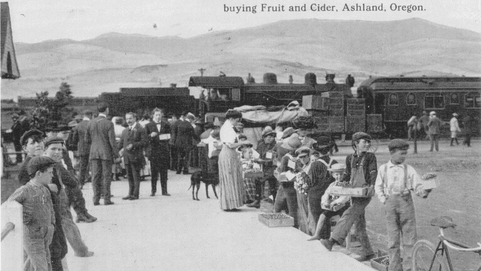 1005259378 RR district Kids selling fruit and cider at depot.jpg