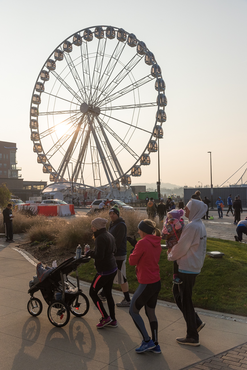 The Skystar Ferris Wheel was a new addition to the scene around the Thanksgiving Day Race this year. / Image: Phil Armstrong, Cincinnati Refined // Published: 11.23.18