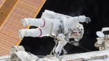 2 spacemen land on Earth after year aloft: 'We did it!'
