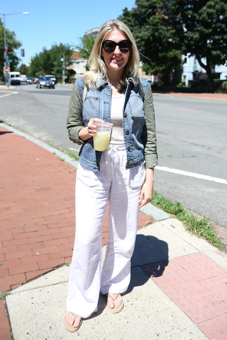 Jessica Fliegel is very on-trend with those white linen pants. (Amanda Andrade-Rhoades/DC Refined)