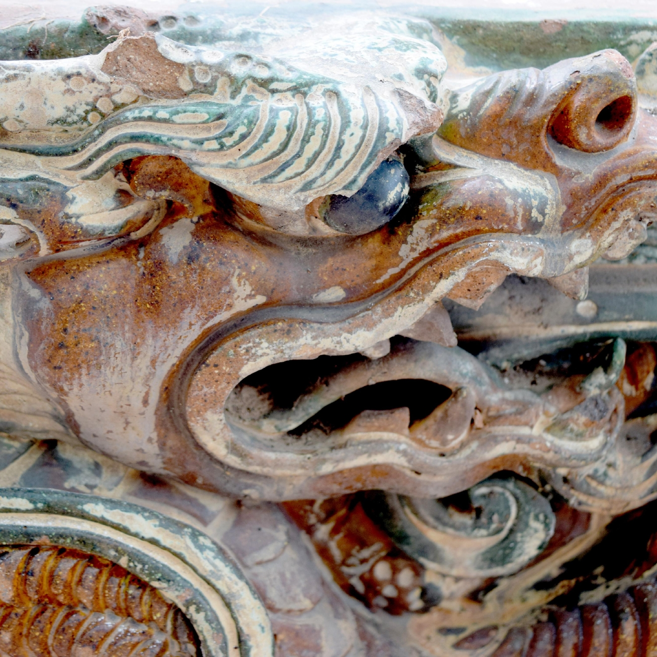 Chinese Serpentine Dragon Architectural Elements or Roof Tiles / Image courtesy of Everything But The House // Published: 10.15.16