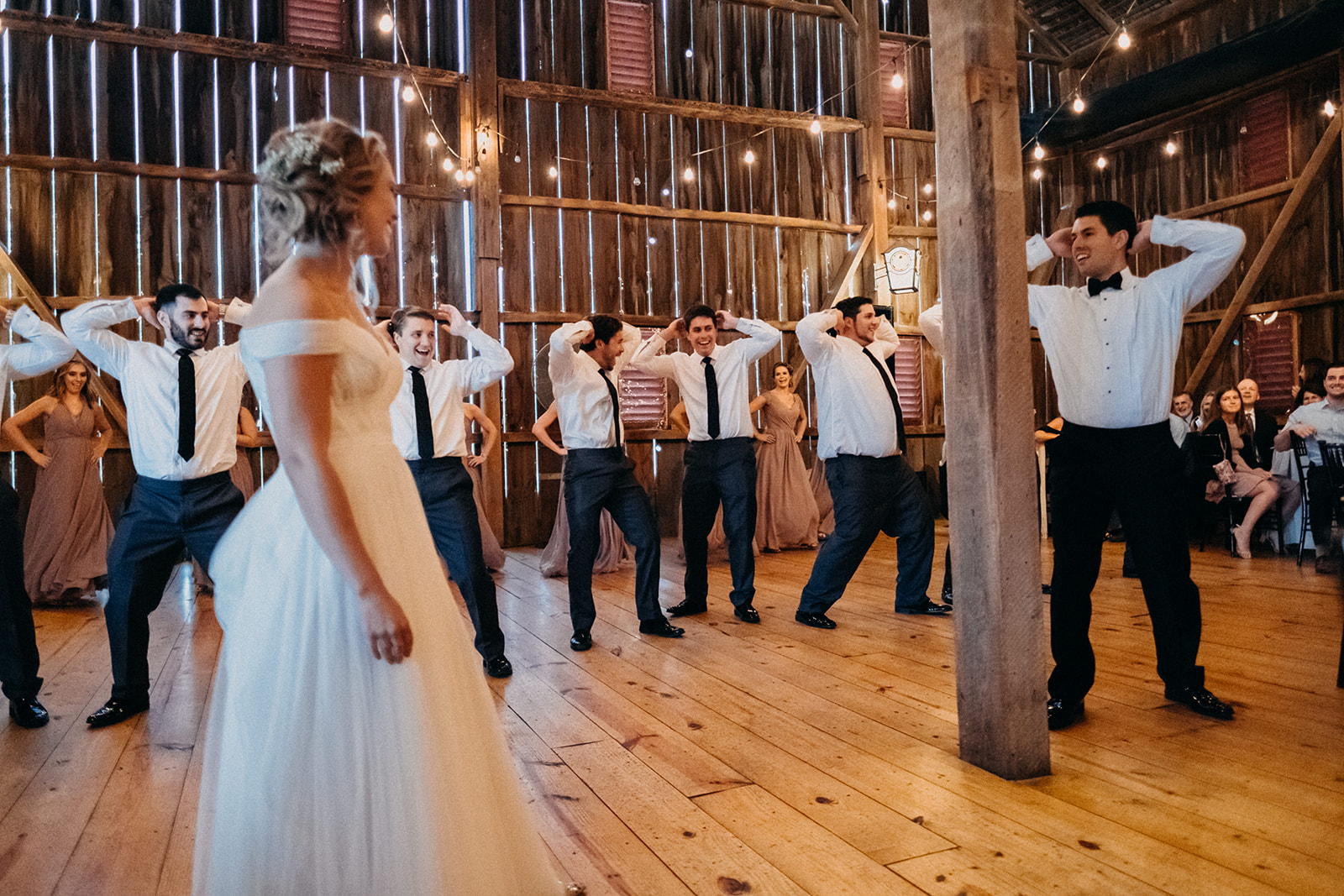 """The rustic, but classy feel was perfect for us,"" said Kirsten. (Image:{ }Jeff ThatcherPhotography)"
