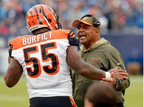 Cincinnati Bengals head coach Marvin Lewis talks with linebacker Vontaze Burfict (55) after Burfict was ejected for making contact with an official in the first half of an NFL football game against the Tennessee Titans Sunday, Nov. 12, 2017, in Nashville, Tenn. (AP Photo/Mark Zaleski).<p></p>