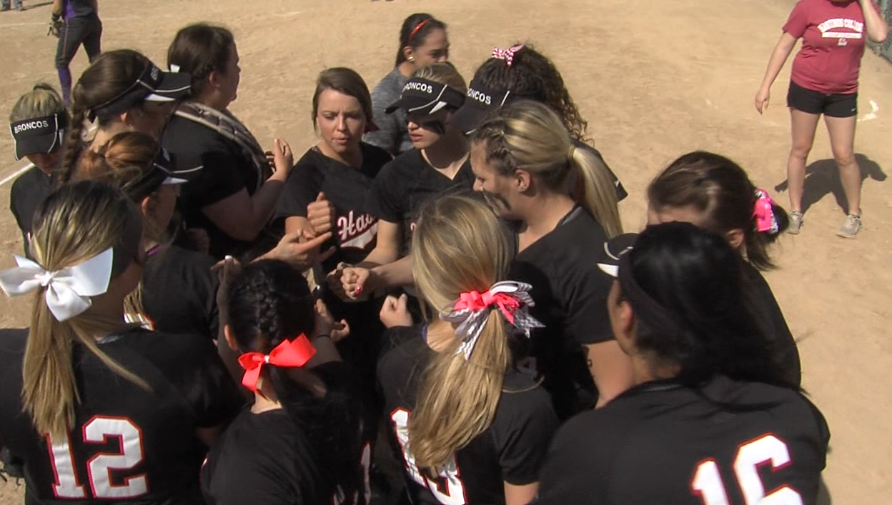 Hastings College softball partakes in a double header against Kansas Wesleyan University on March 19, 2017 (NTV News)