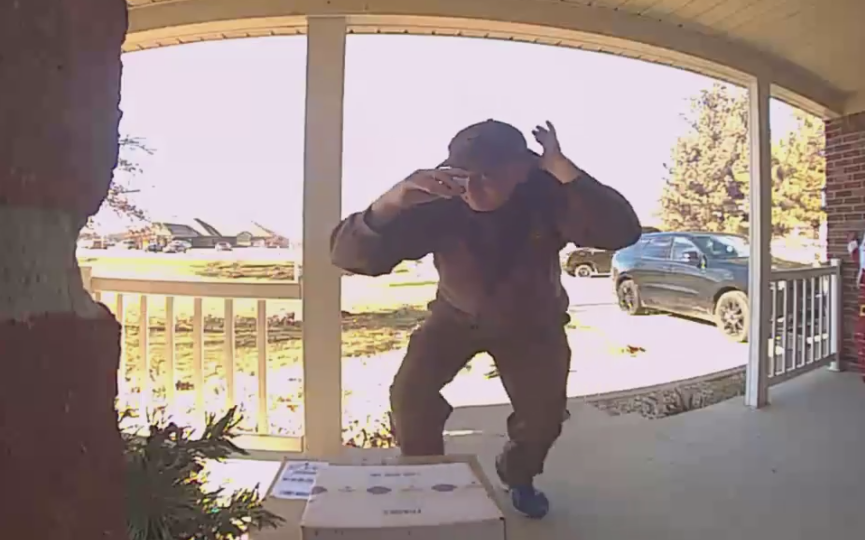ups 4.PNGUPS driver caught dancing on doorbell camera (Screengrab from video: Bethany Auth)