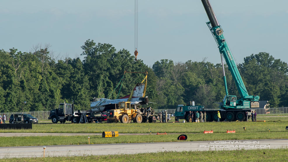 Thunderbird Involved In Crash Hauled Away Before Gates Open At Dayton Air Show Wpec