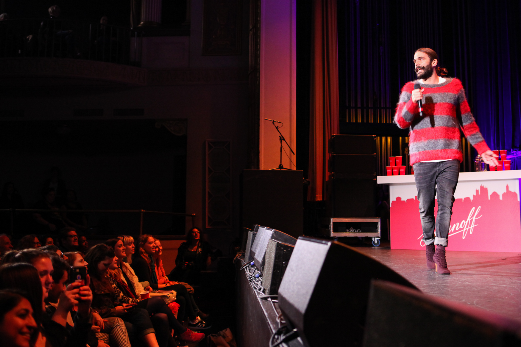 Jonathan Van Ness, the star of Netflix's hit show 'Queer Eye' brought comedians to the stage of Lincoln Theater on Sunday, October 28 for the last day of the Bentzen Ball, a 3-day comedy festival in D.C. Jonathan, who also hosts a podcast and was a well-known hair stylist before 'Queer Eye', brought his trademark positivity, candor and flair to the stage, talking about his enthusiasm for women's gymnastics, body positivity and voting. (Amanda Andrade-Rhoades/DC Refined)