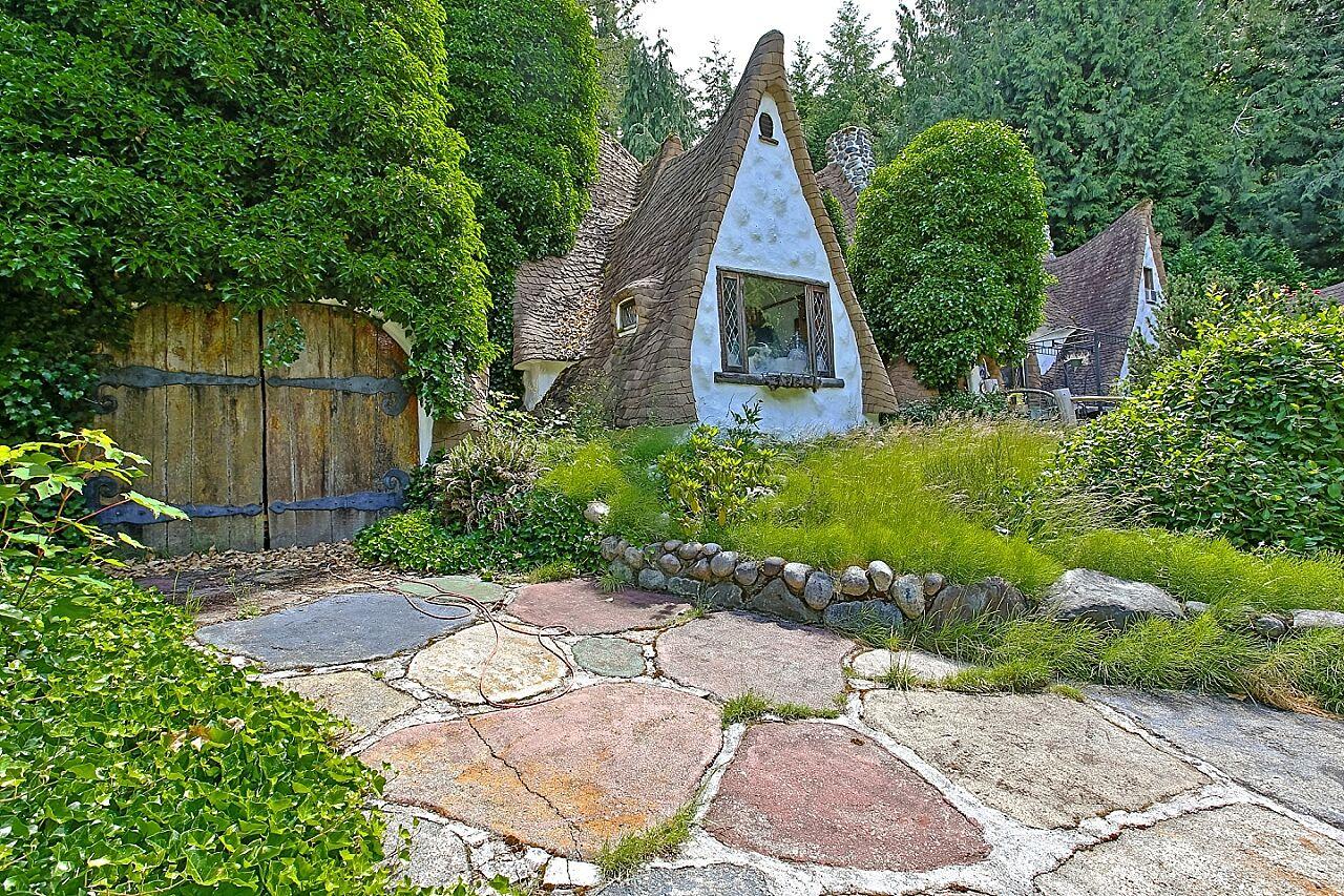 story photos snow whites house sale kitsap county