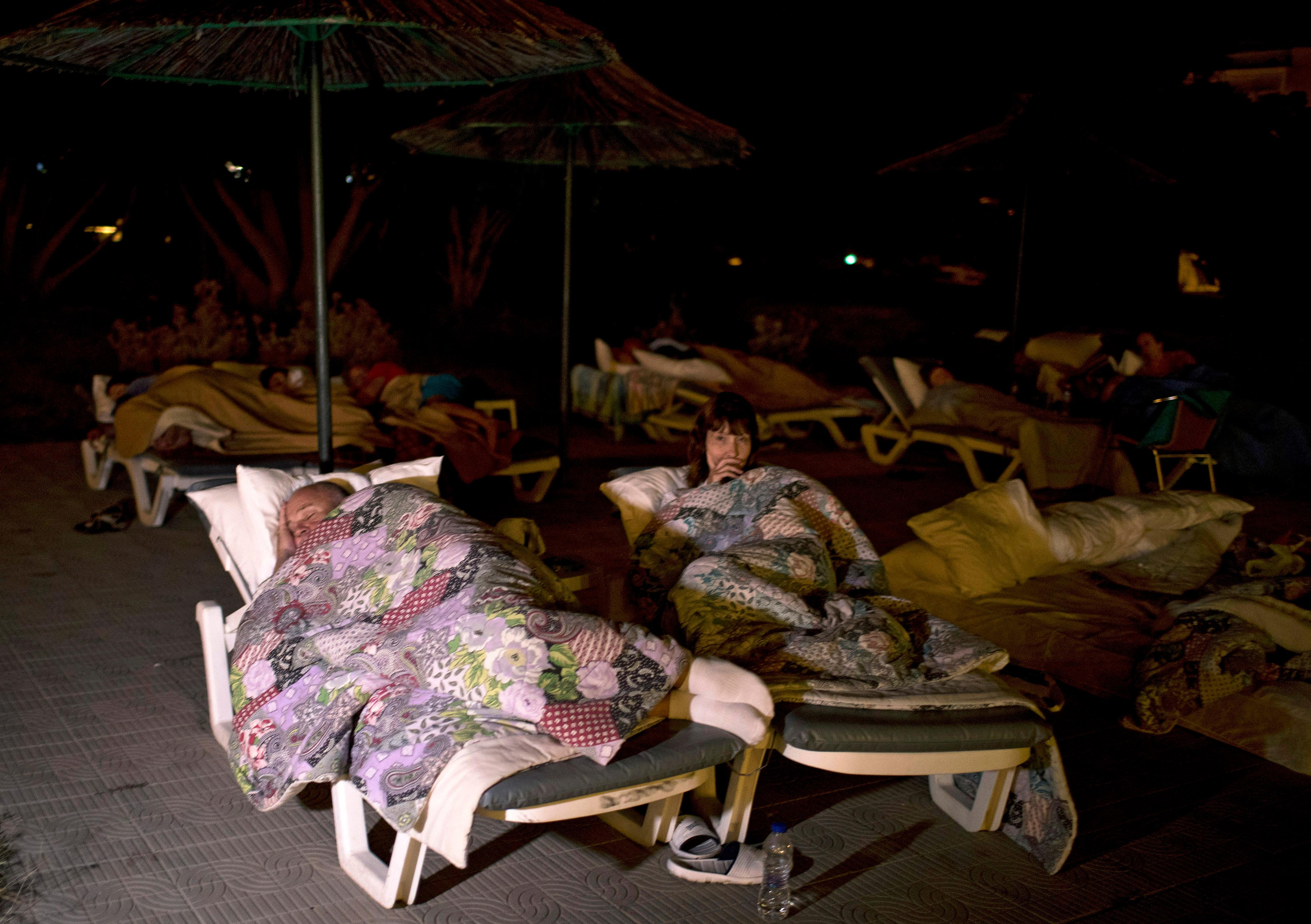 residents, tourists in greece sleep outdoors after quake | kboi