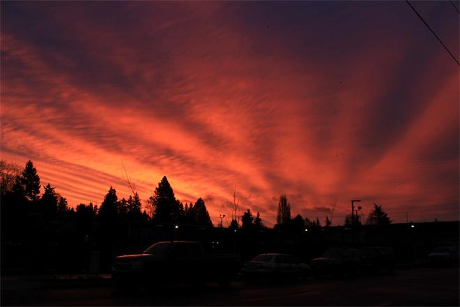 Seattle sunrise -- (Photo: YouNews contributor: Maryzplace)