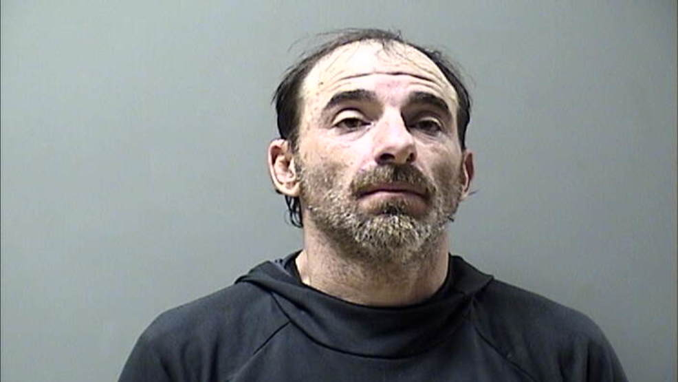 Wanted Eldon man tried to outrun arresting officers, deputies say