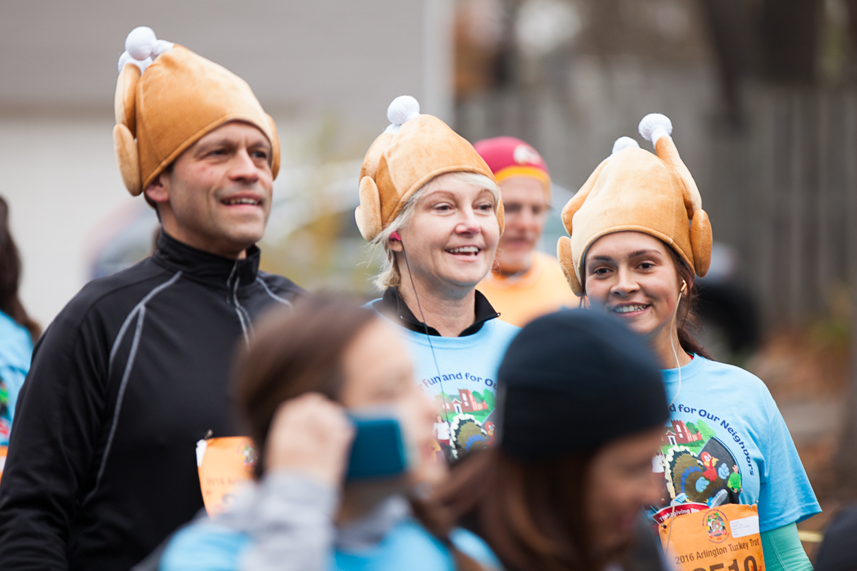 Thousands of Washingtonians started their Thanksgiving on a healthy note-- running the 15th annual Turkey Trot. (Image: Jay Snap | LaDexon Photographie)