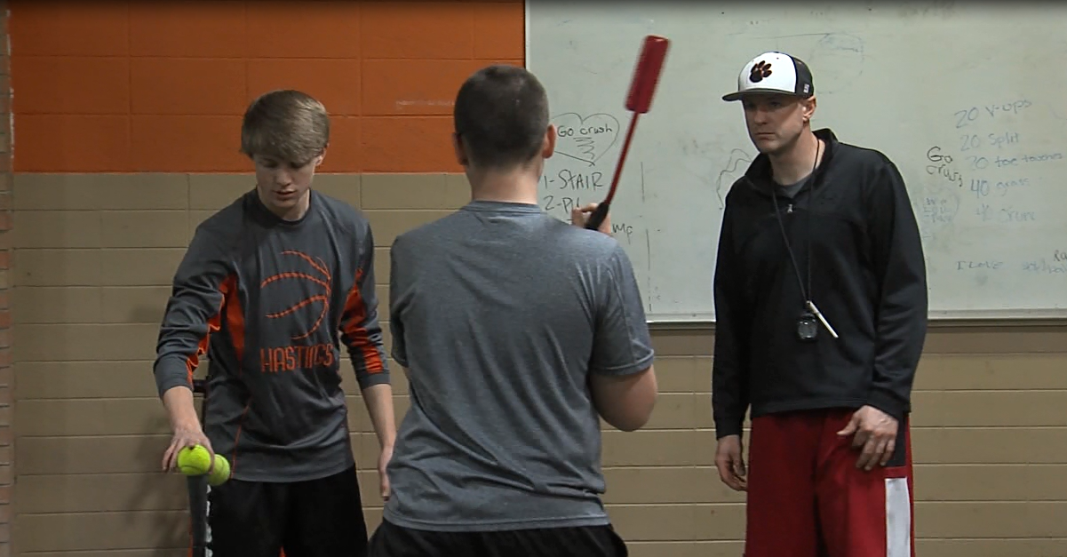 Hastings High is playing baseball for the first time in more than 75 years (NTV News)