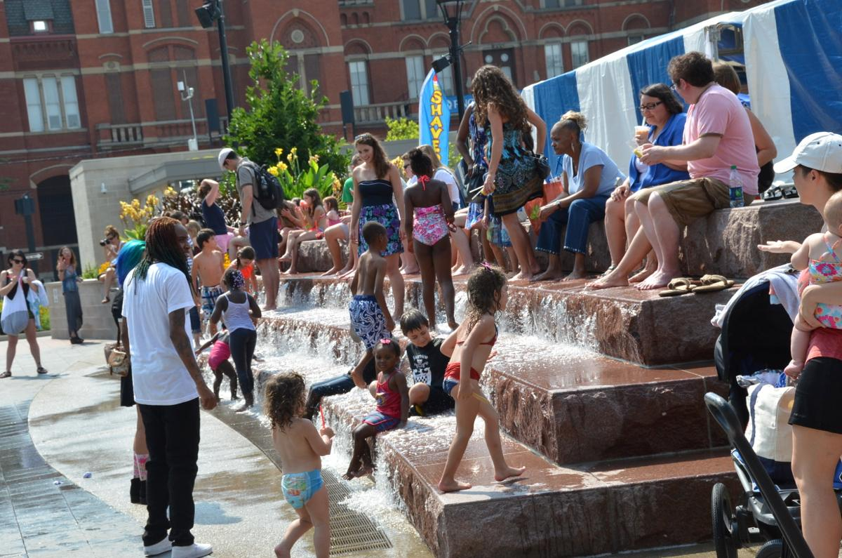 A perfect day to enjoy the fountains at Washington Park (Image: Leah Zipperstein / Cincinnati Refined)