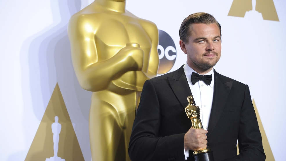 Leonardo DiCaprio auctions off week at his mansion