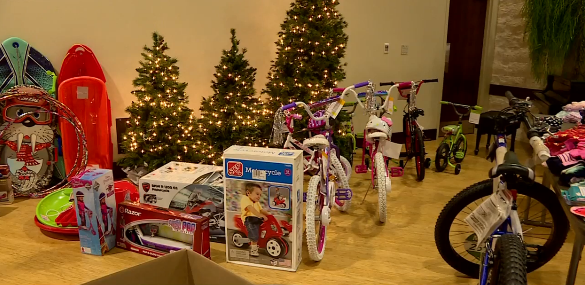 Thousands of kids to receive Christmas gifts through Salvation Army's Angel Tree Program // WSBT 22