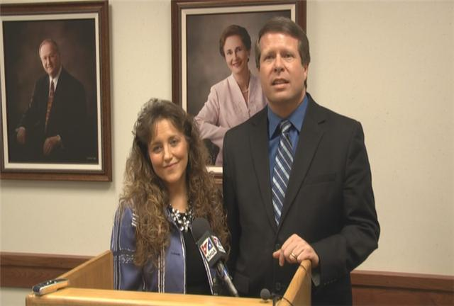 Jim Bob and Michelle Duggar speak with the press at HLGU.