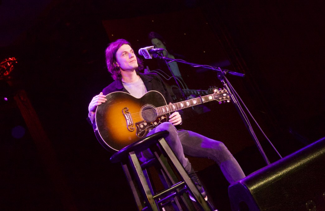 A few days ago THE James Bay was in Seattle for his Paramount Theater show when he popped up for a little private event hosted by STAR 101.5 and Car Toys at Snoqualmie Casino. It was MAGICAL and it's no surprise why his beautiful voice is all over the radio airwaves. (Image: Gena Wynkoop / Seattle Refined).