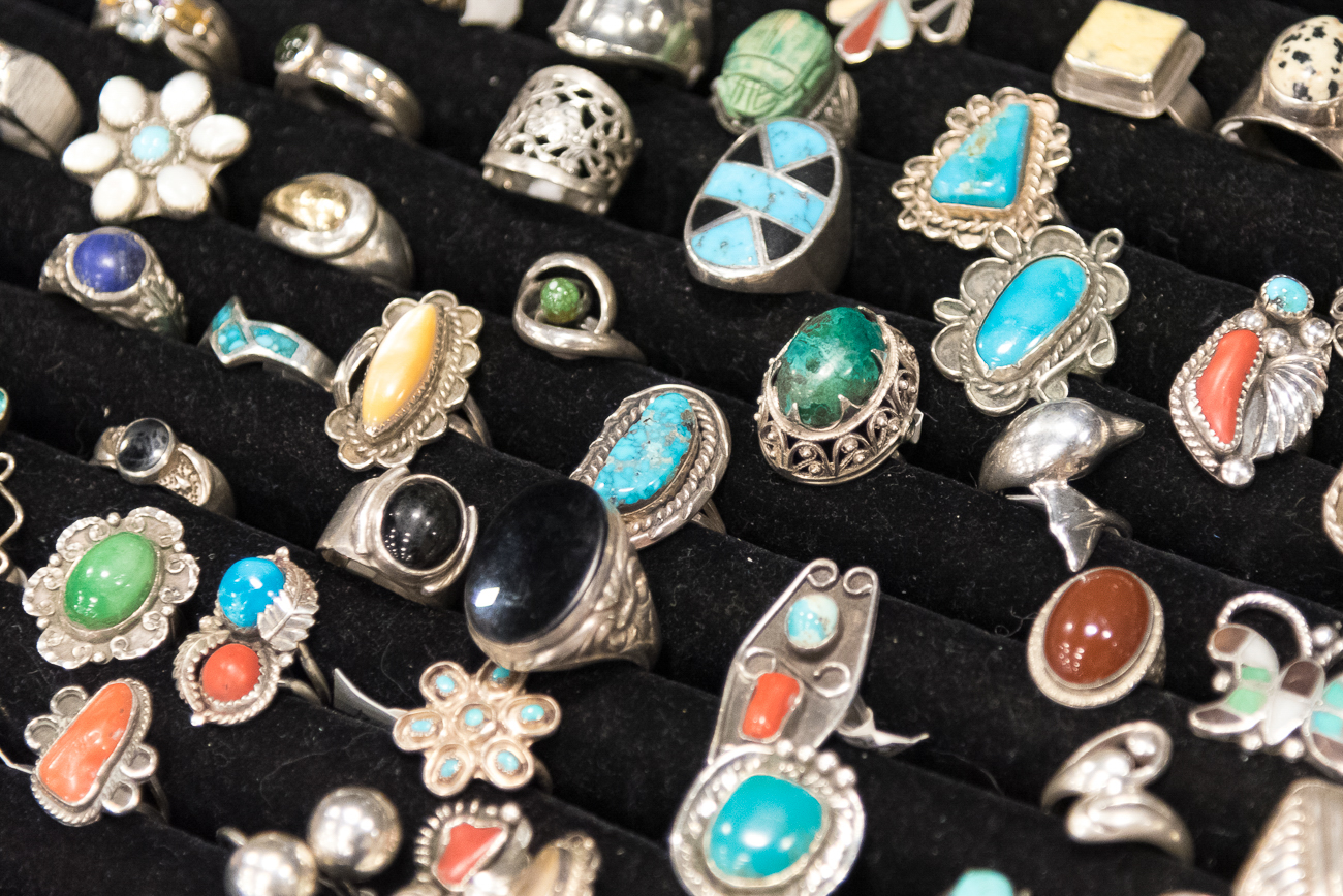 Vendors also carry jewelry and accessories for sale, too. / Image: Cincinnati Refined // Published: 1.21.20