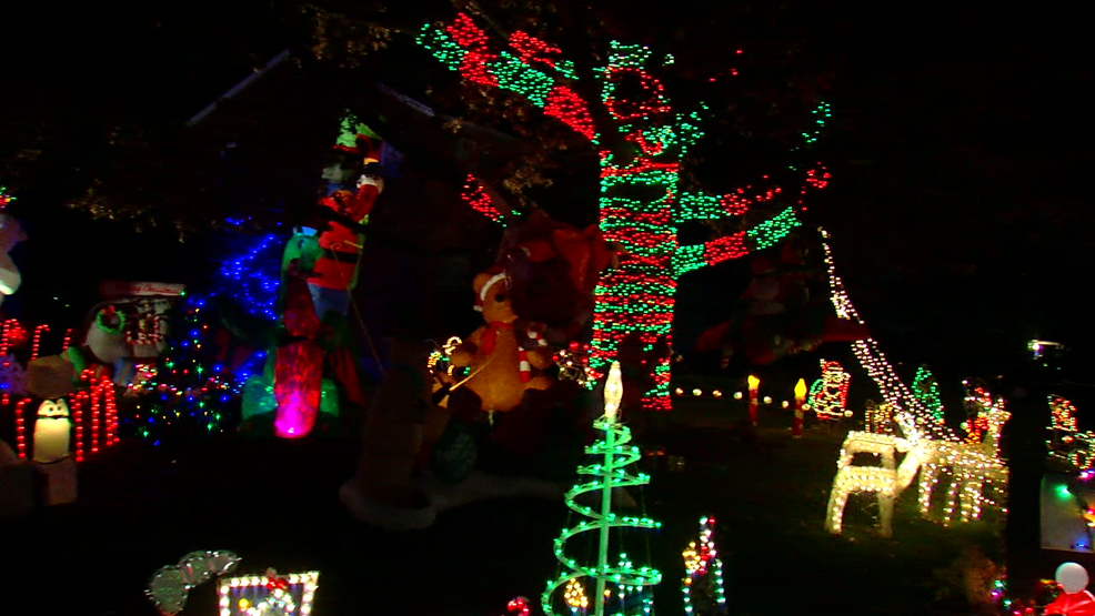 man builds list of best holiday light displays in the tri state