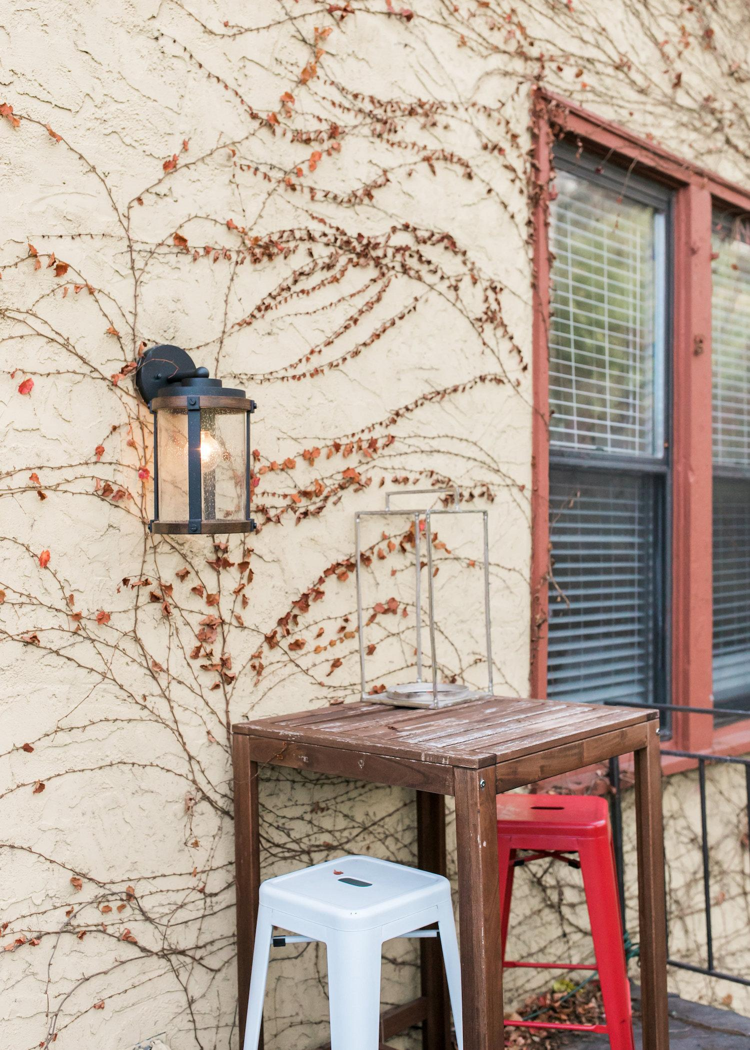 Red Whale Rentals is a short-term apartment rental company located in Mt. Adams. Michele Campbell, a designer by trade, formed the business. It now includes six properties. Two properties occupy one large home. The properties are available on an individual night basis for photographers or a 30-night short term minimum for regular guests. / Image @BrookeGenn // Published: 12.20.17