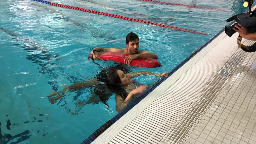 39 World 39 S Largest Swim Lesson 39 Comes To San Antonio Public Pools Woai