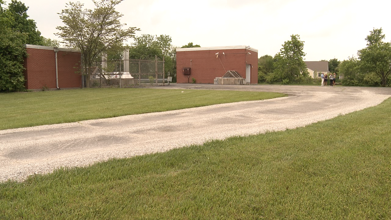 <p>You probably wouldn't look twice at the nearly-empty field along Hayden Run Road in Hilliard. But if you did, you might notice a brick building and a few air vents. (WSYX/WTTE)</p>