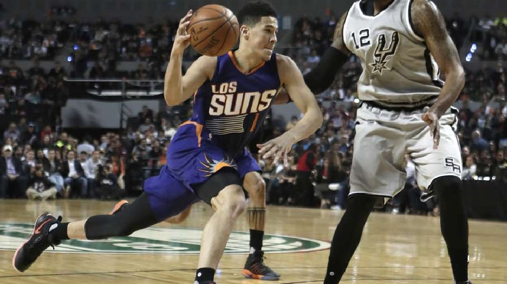 Suns stun Spurs in Mexico City, 108-105