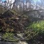 Landslide damages two homes along Lake Chaweva in Cross Lanes
