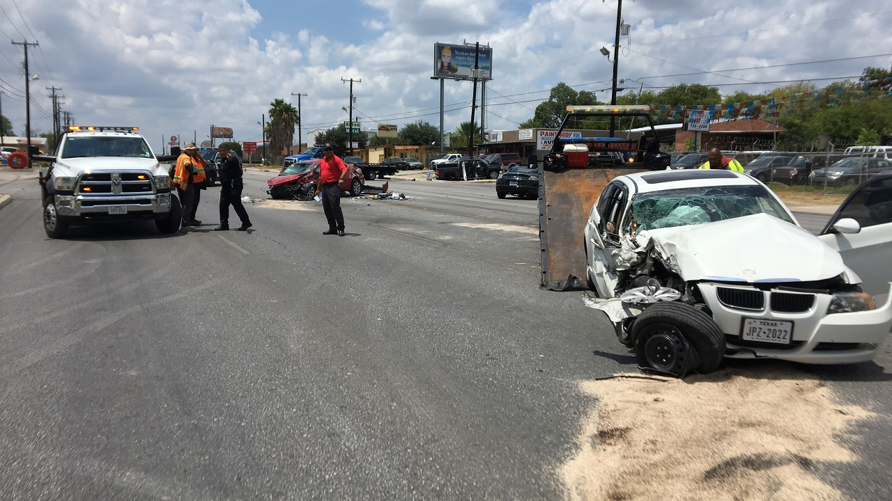 Multi-vehicle crash on 1400 block of Culebra Road (SBG San Antonio photo)