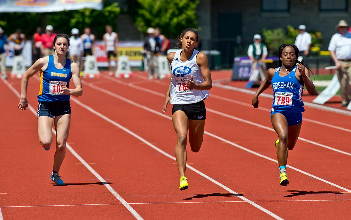 Deshae Wise from Grants Pass wins the 6A Girls 100 meter dash at the OSAA Track Championship at Hayward Field Saturday. Photo by Dan Morrison, Oregon News Lab