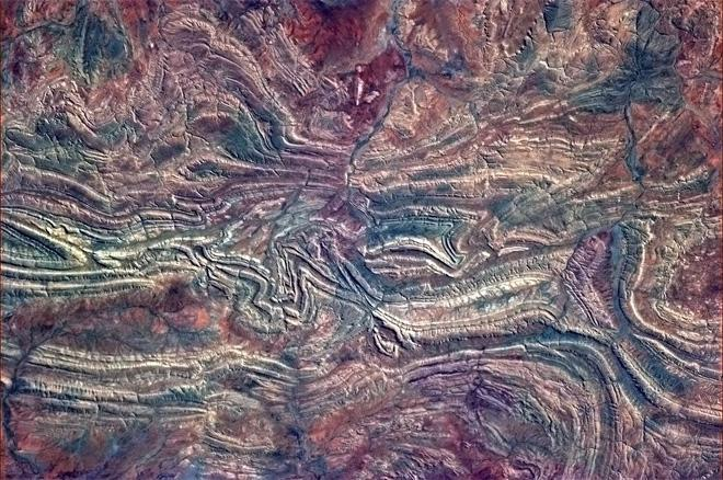 The Australian Outback is effortlessly crazily beautiful. (Photo & Caption: Col. Chris Hadfield, NASA)