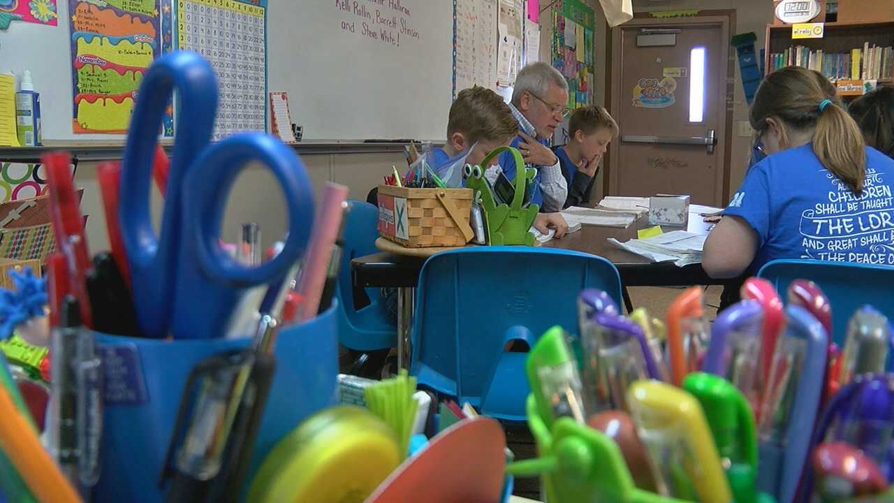 New Hope Christian School invited State Sen. Steve Halloran to offer a math lesson (NTV News)