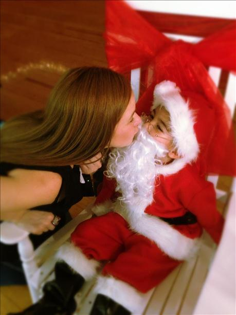 <a  href=&quot;http://share.valleycentral.com/Media/View/2876950&quot;>Lil Santa</a>
