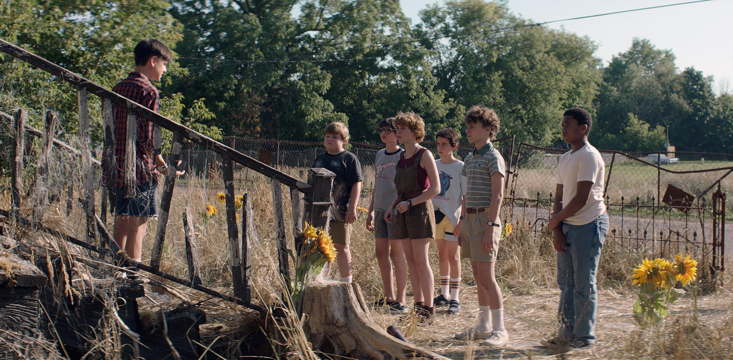 "(L-r) JAEDEN LIEBERHER as Bill Denbrough, JEREMY RAY TAYLOR as Ben Hanscom, FINN WOLFHARD as Richie Tozier, SOPHIA LILLIS as Beverly Marsh, JACK DYLAN GRAZER as Eddie Kaspbrak, WYATT OLEFF as Stanley Uris and CHOSEN JACOBS as Mike Hanlon in New Line Cinema's horror thriller ""IT,"" a Warner Bros. Pictures release. Photo Credit: Brooke Palmer"